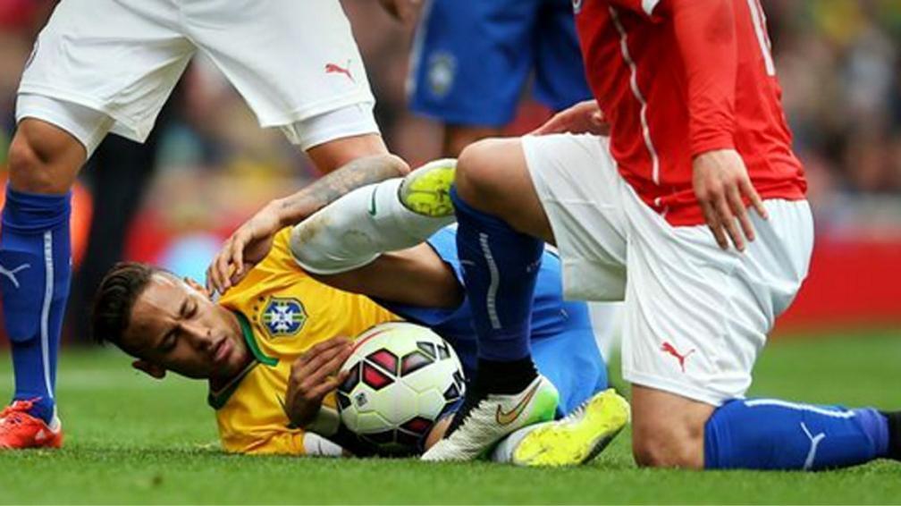Prasa: Neymar vs Medel