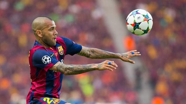 Oficjalnie: Alves zostaje!