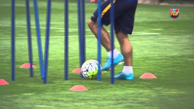 Messi, Mascherano, Neymar i Alves na pierwszym treningu