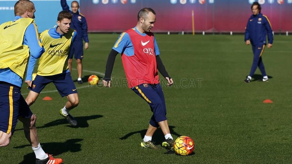 Iniesta wraca do treningów