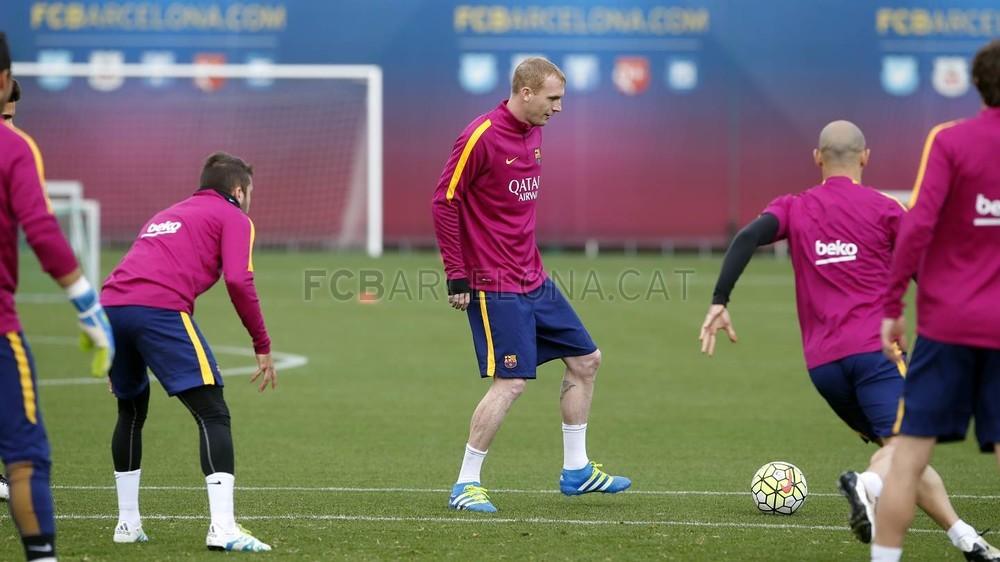 Mathieu wznawia treningi