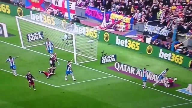 López dwukrotnie atakuje Suareza