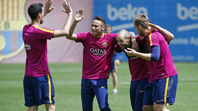 Ciężki tydzień Sevilli, lżejszy Barcy