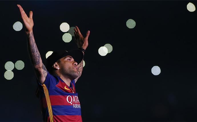 Alves odchodzi z Barcelony!