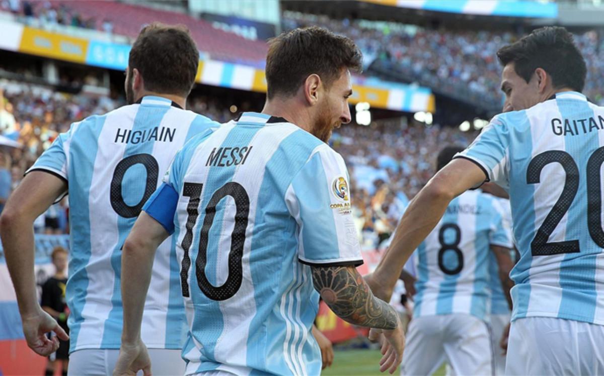 Pewne wygrane Argentyny i Chile