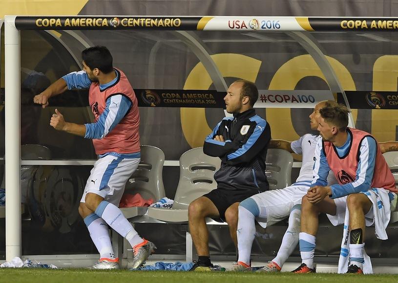 Urugwaj odpada z CA! Wciekły Suarez!