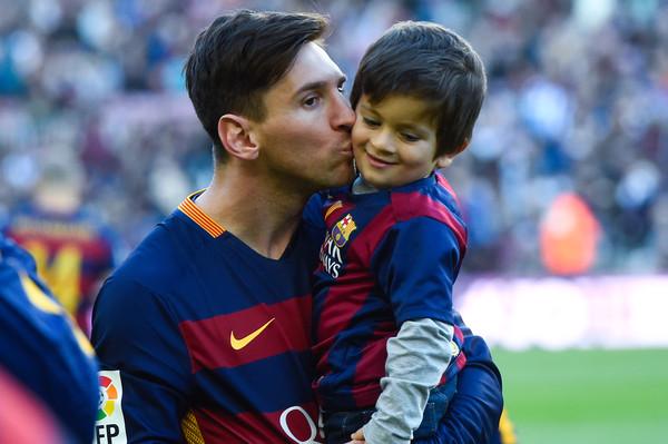 Syn Messiego w FCBEscola
