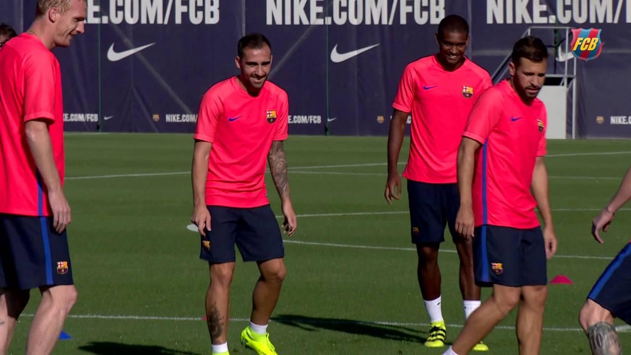 Trening z Messim i Paco Alcácerem