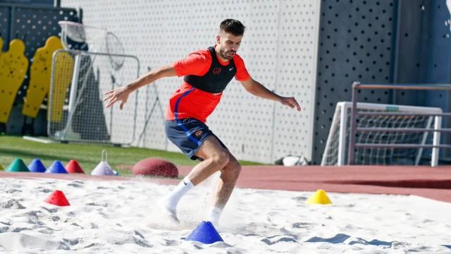 Pique i Alba wznawiają treningi