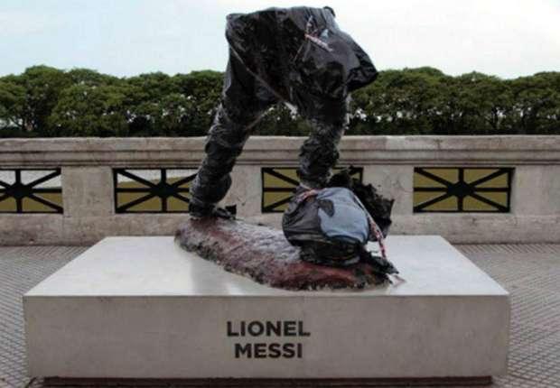 Zniszczono pomnik Messiego