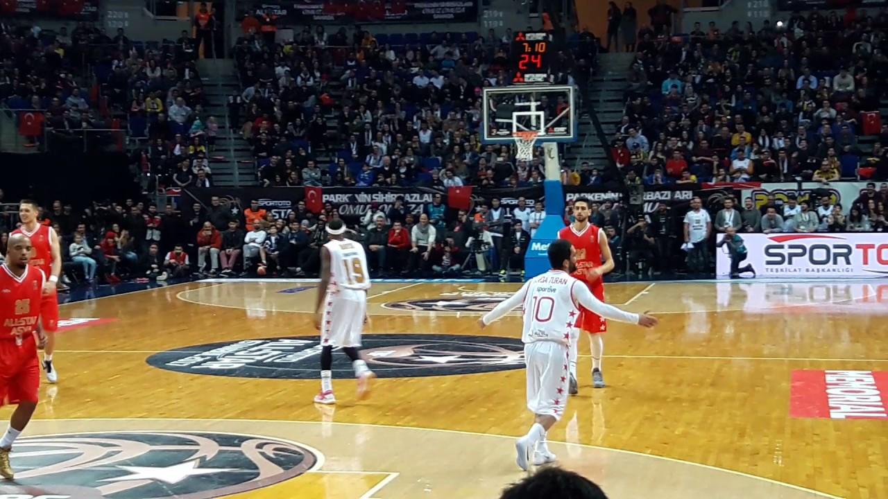 Turan w koszykarskiej drużynie All Star